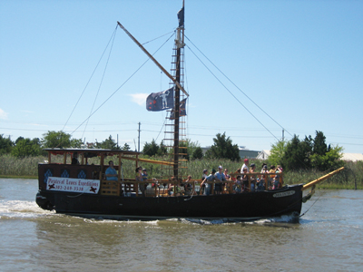 Pirates of Lewes Expeditions.  Photo Credit: www.Beach-Fun.com.