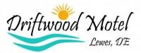 Driftwood Motel: Front Desk/Housekeeper